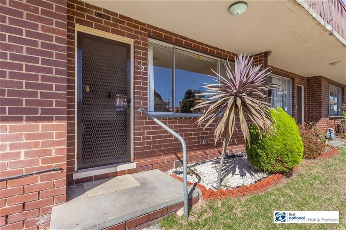 2 33 gladstone road dandenong 3175 victoria australia for 9 kitchen road dandenong