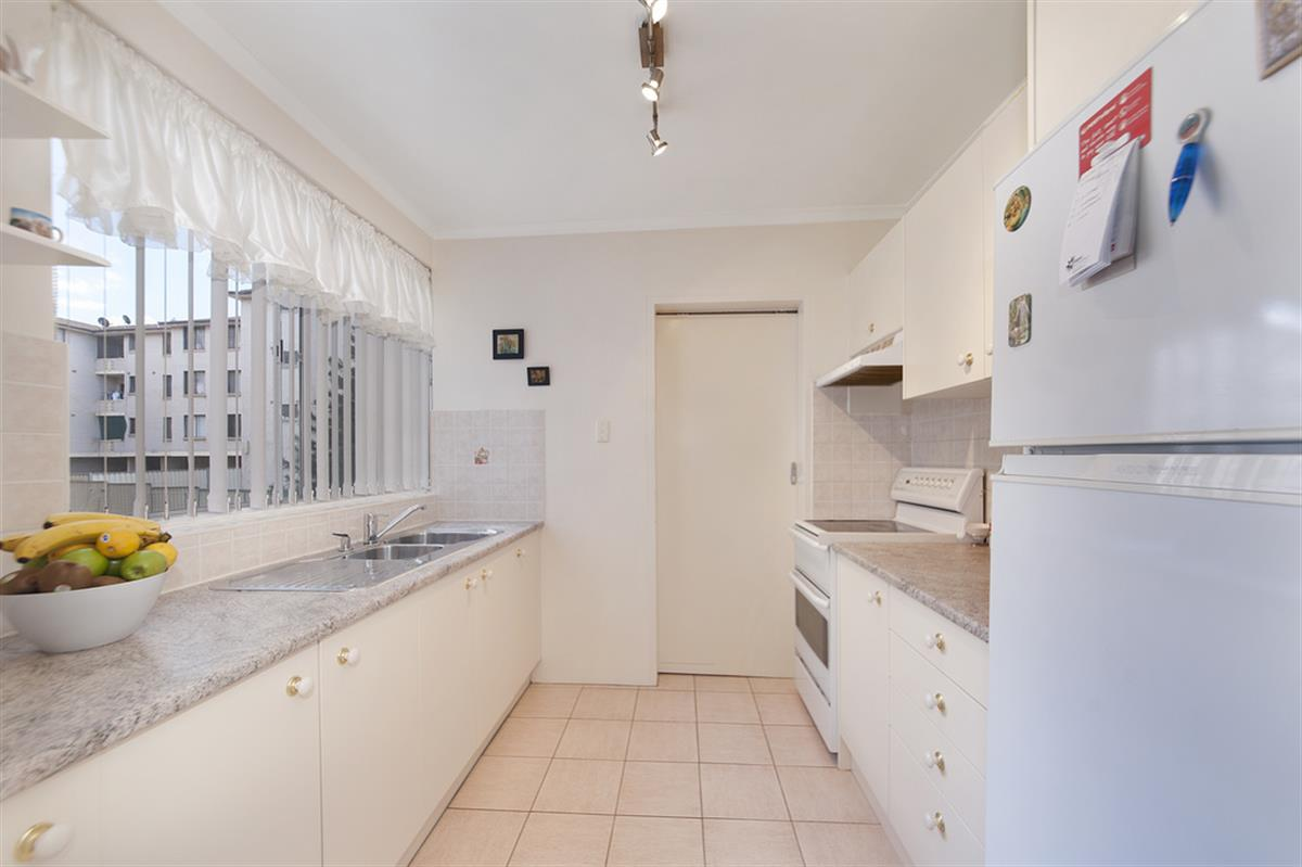 21 31 forbes street liverpool 2170 new south wales australia for Kitchens liverpool nsw