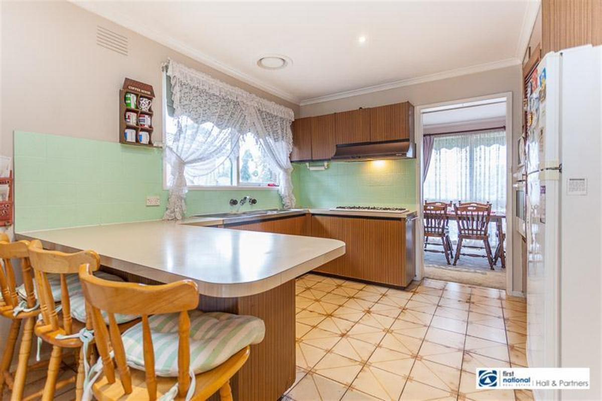 230 gladstone road dandenong north 3175 victoria australia for 9 kitchen road dandenong