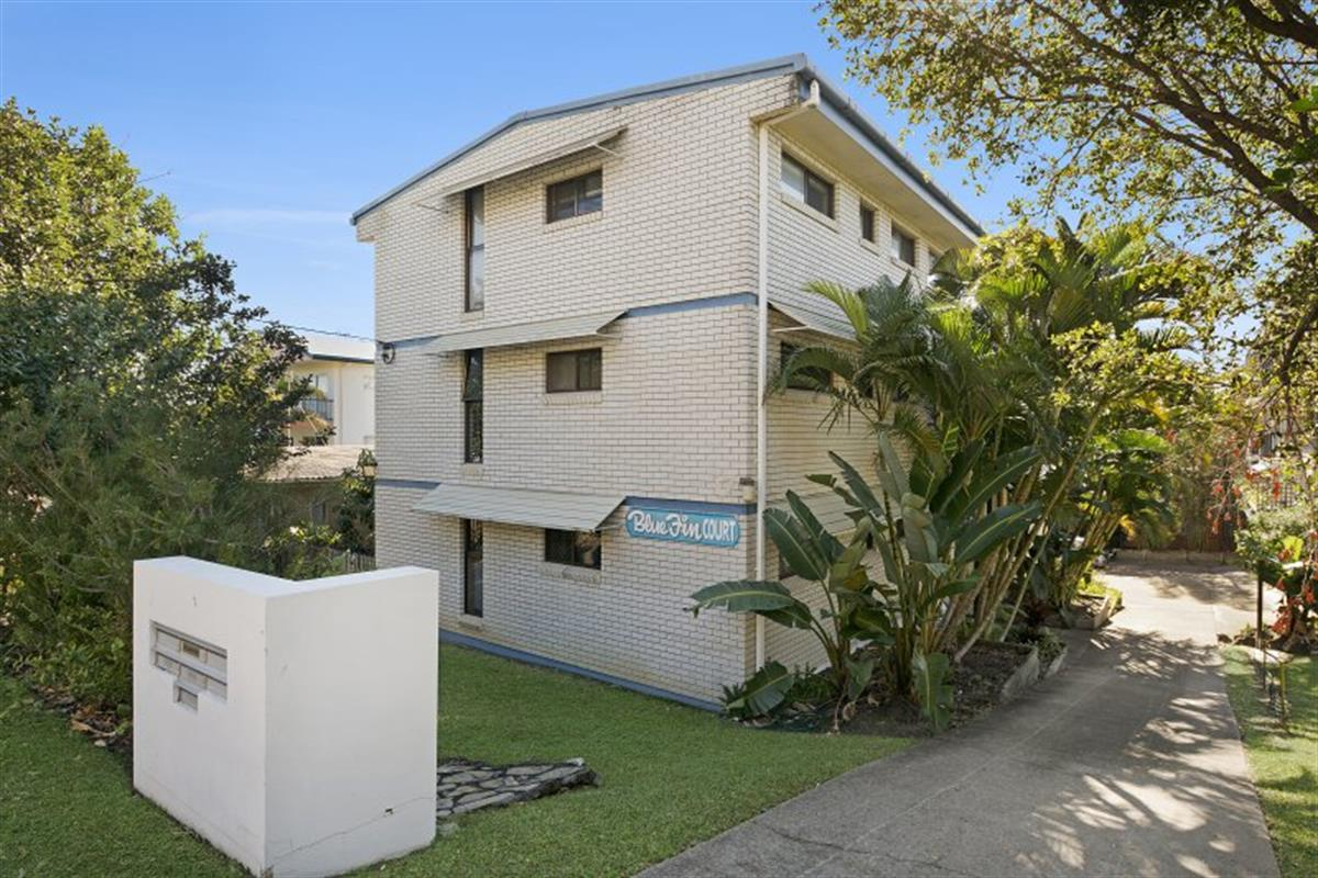 4-17-coolum-terrace-coolum-beach-4573