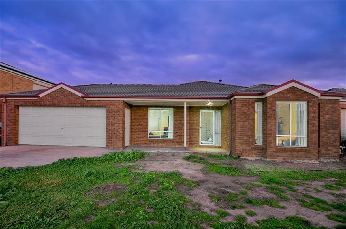 22-marrowie-place-taylors-hill-3037-vic