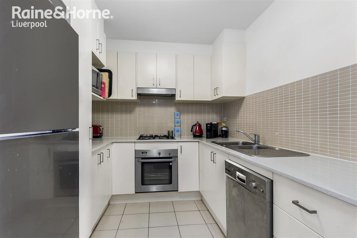 37 33 39 lachlan street liverpool 2170 new south wales for Kitchens liverpool nsw