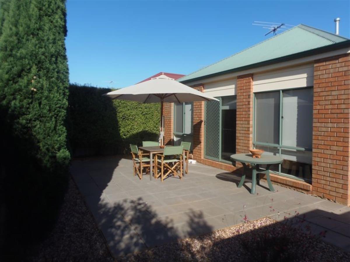 63 Grampians Way Caroline Springs 3023 Victoria Australia