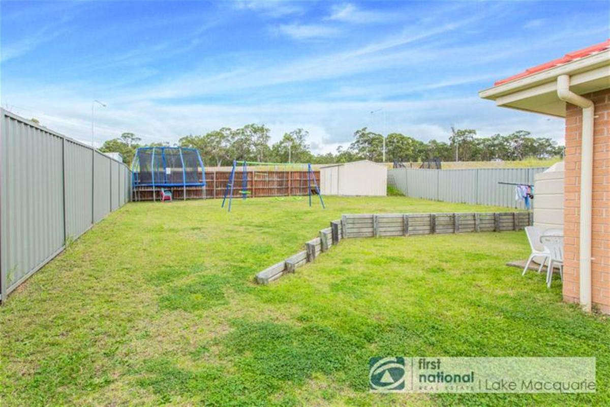 27 Craighill Crescent Cameron Park 2285 New South Wales