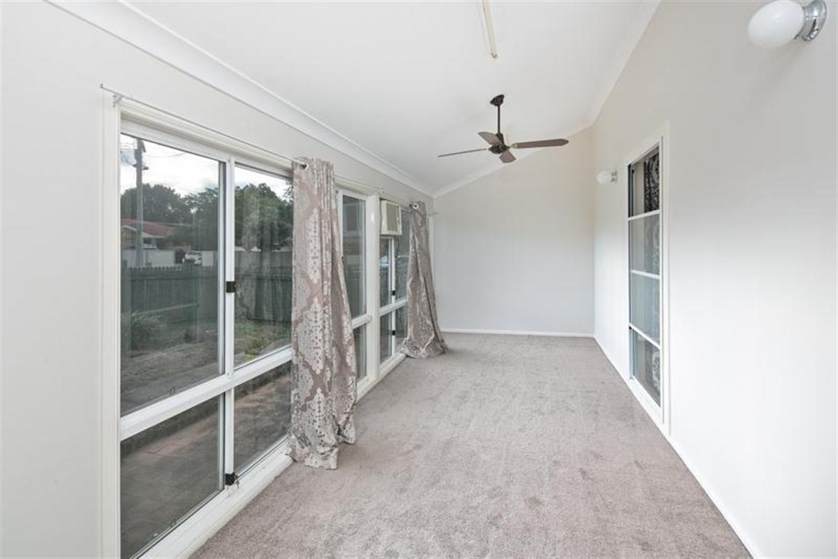 9 valantine road capalaba 4157 queensland australia for The family room capalaba