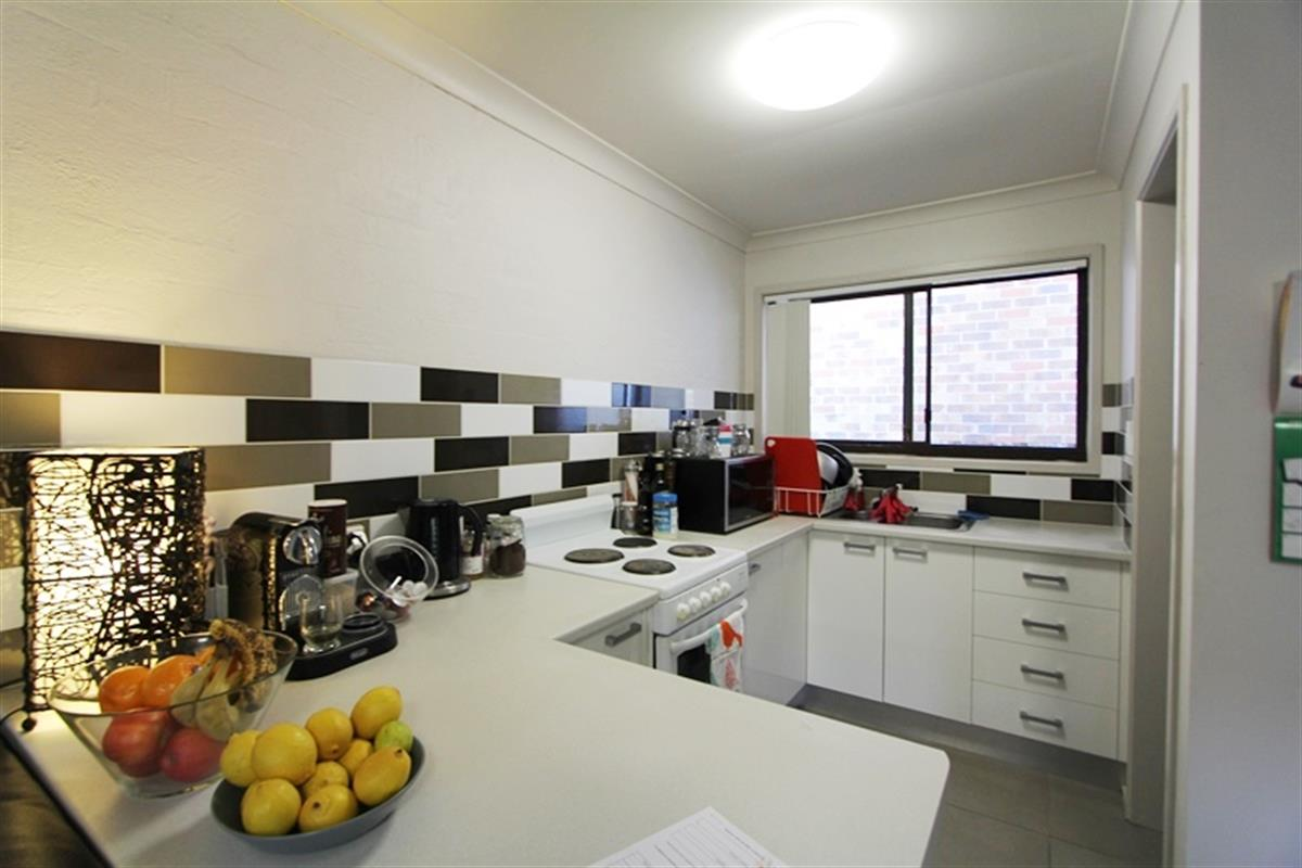 2-39-William-Street-Southport-4215-