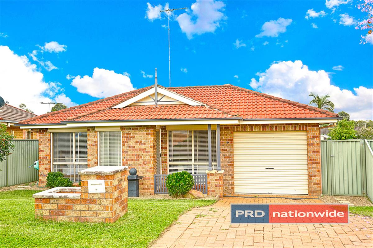 13-Kumbara-Close-Glenmore-Park-2745-