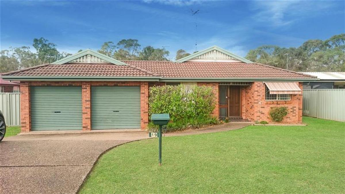 19-Cartwright-Place-Glenmore-Park-2745-NSW