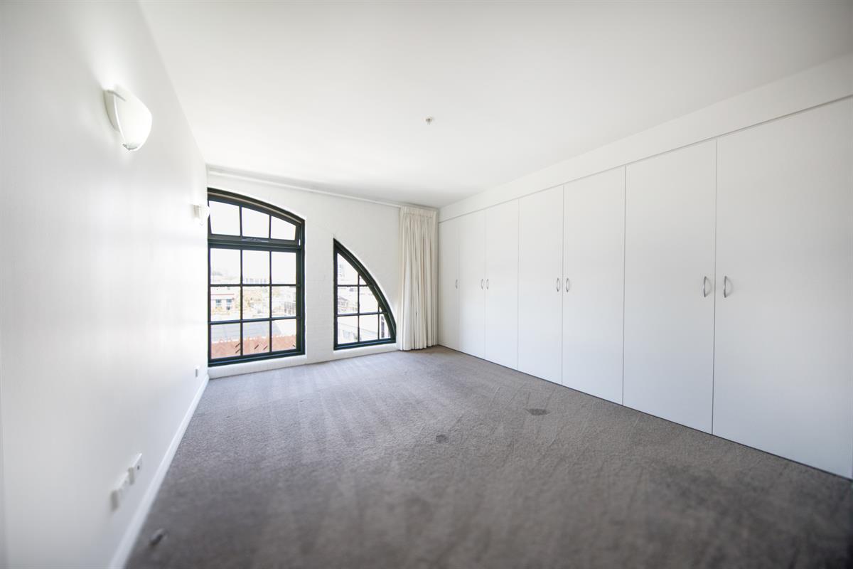 708-133-Goulburn-Street-Surry-Hills-2010-NSW