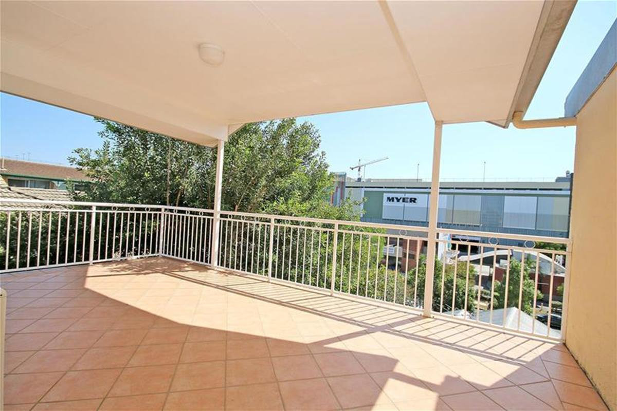 13-20-Underhill-Avenue-Indooroopilly-4068-QLD