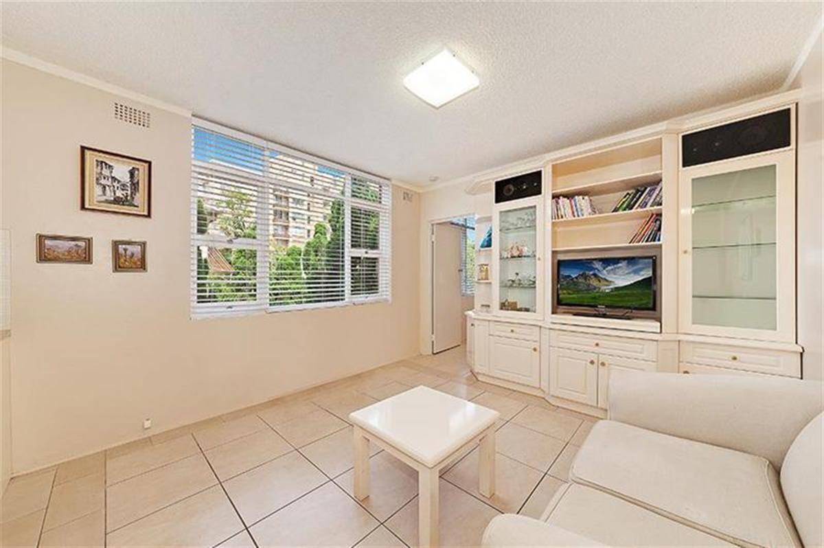 3-82-Raglan-Street-Mosman-2088-NSW