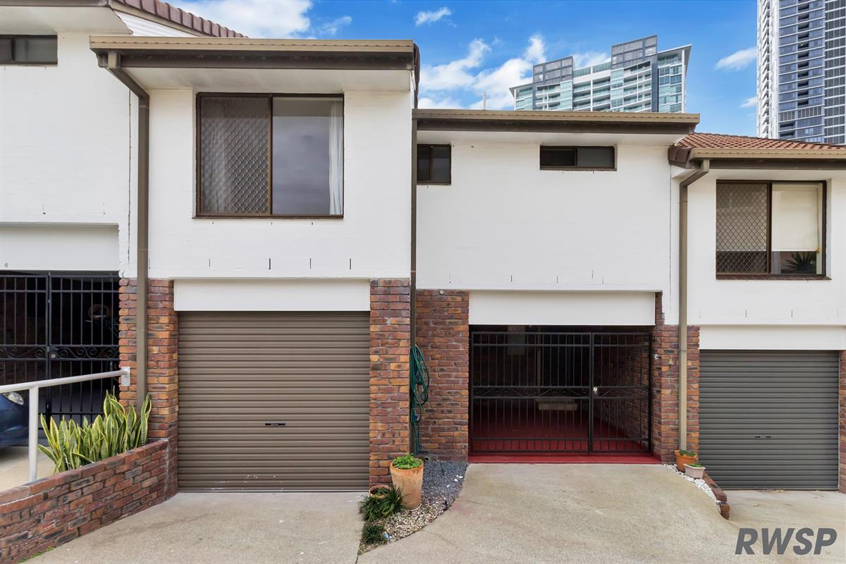 7-51-Bauer-Street-Southport-4215-