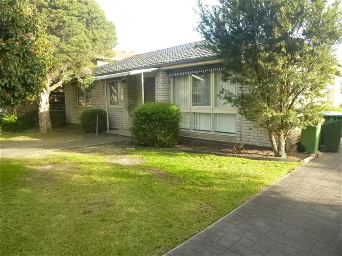 1-40-Ambleside-Crescent-Berwick-3806-VIC
