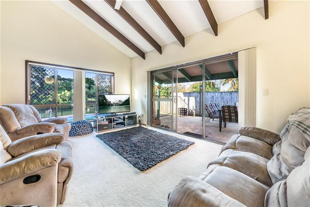 2-9-Royal-Palm-Court-Southport-4215-QLD