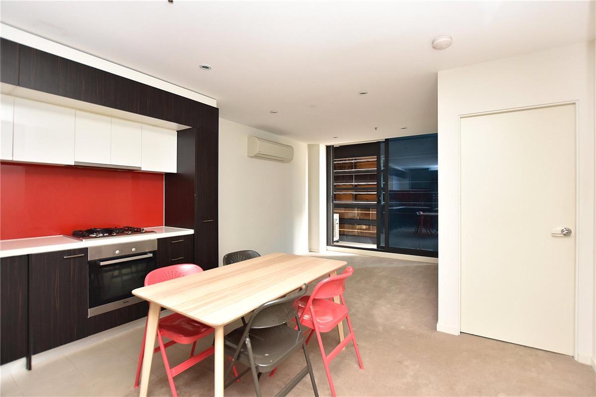 304-8-Sutherland-Street-Melbourne-3000-