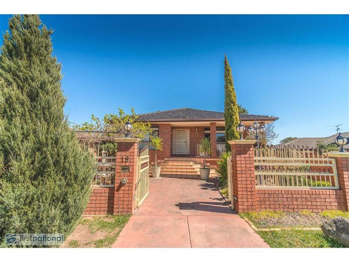 19-Nicholson-Crescent-Meadow-Heights-3048-VIC