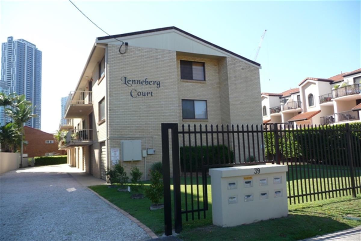 7-39-Lenneberg-Street-Southport-4215-