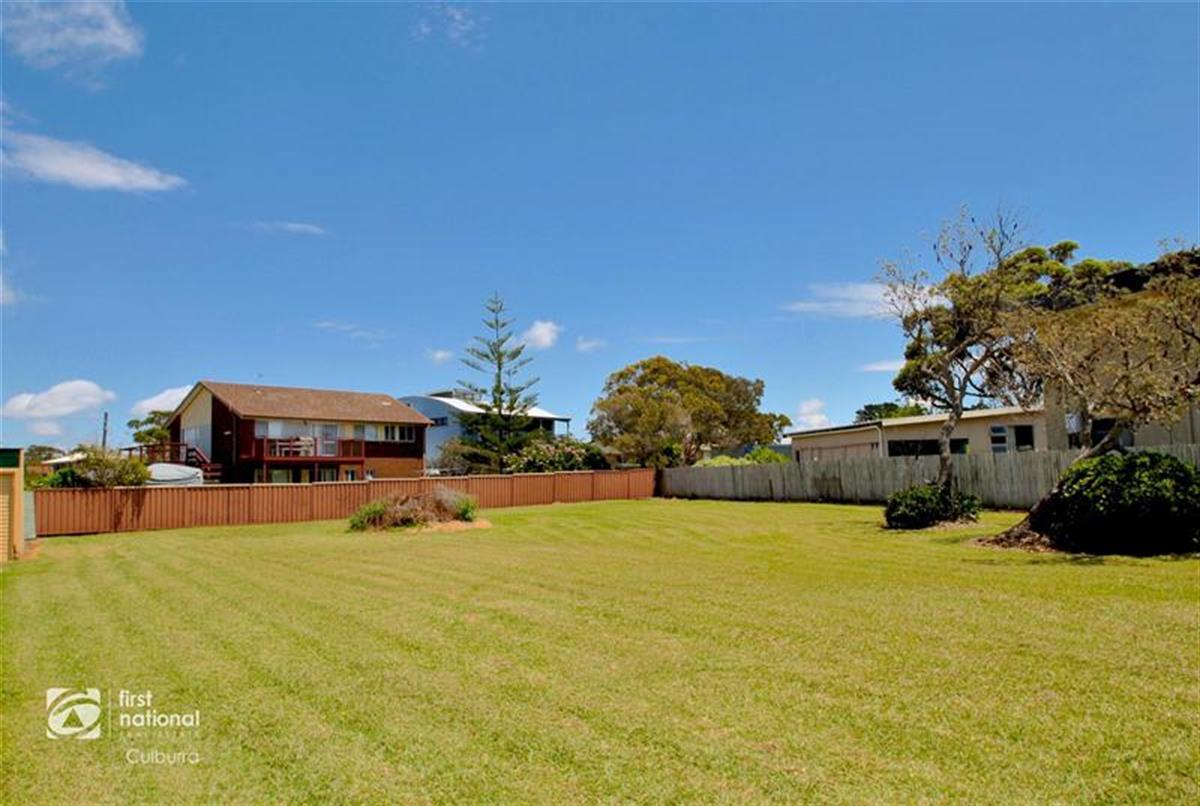 61-Eastbourne-Avenue-Culburra-Beach-2540-NSW