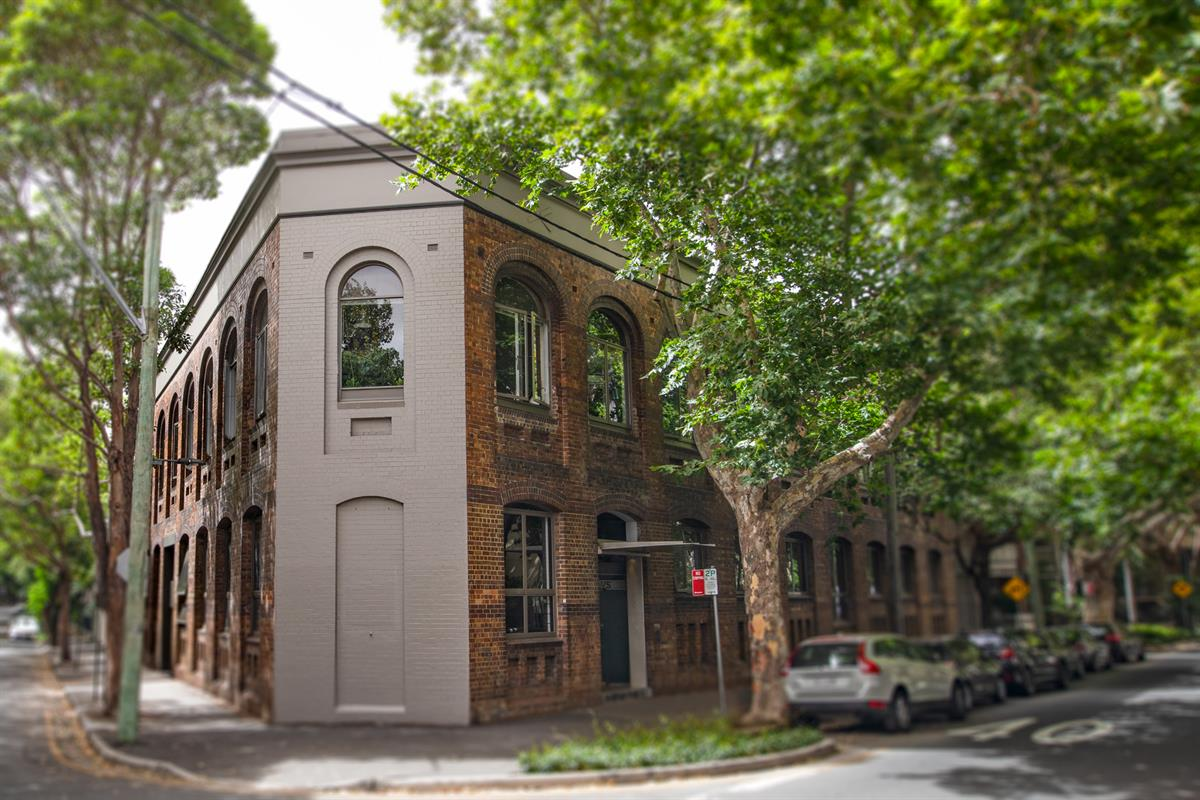 11-498-Bourke-Street-Surry-Hills-2010-NSW
