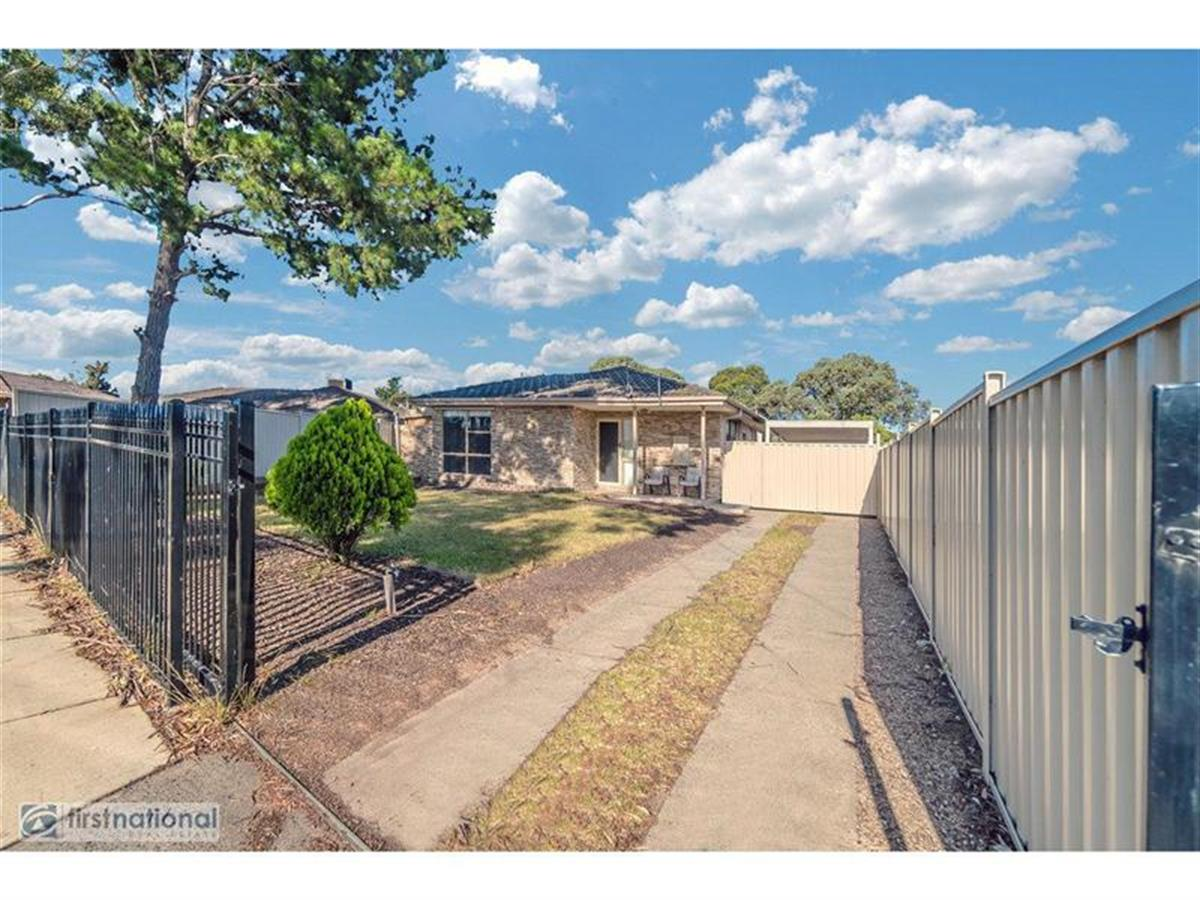 10-Midas-Court-Meadow-Heights-3048-VIC