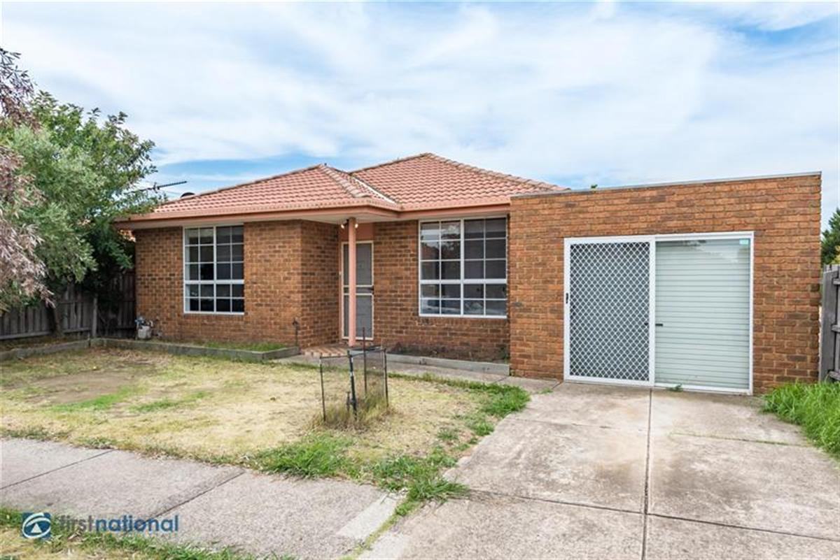 1-32-Lightwood-Crescent-Meadow-Heights-3048-VIC