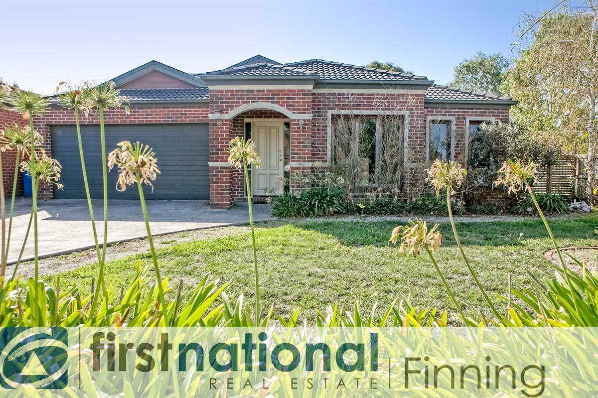 8-Inga-Court-Berwick-3806-VIC