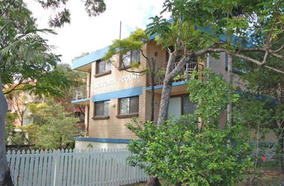 8-16-Andrews-Street-Southport-4215-