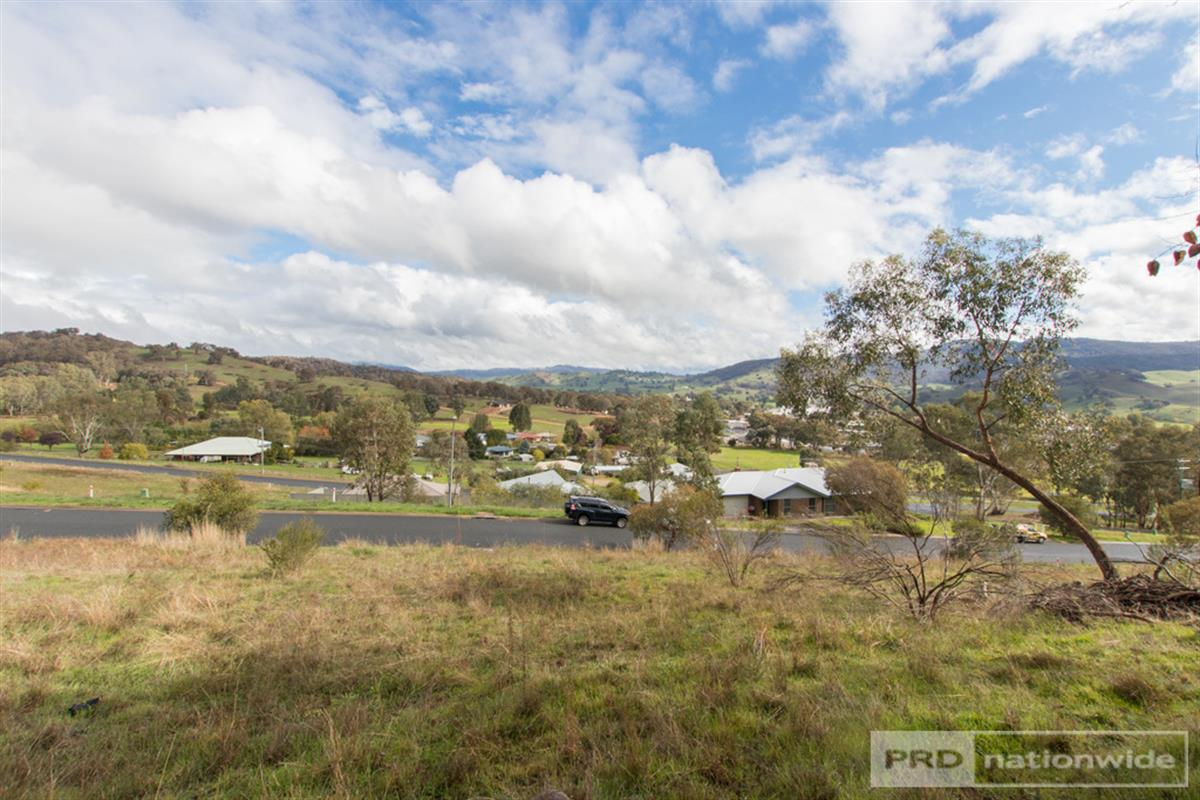 7-and-9-Eberlin-Place-Tumut-2720-
