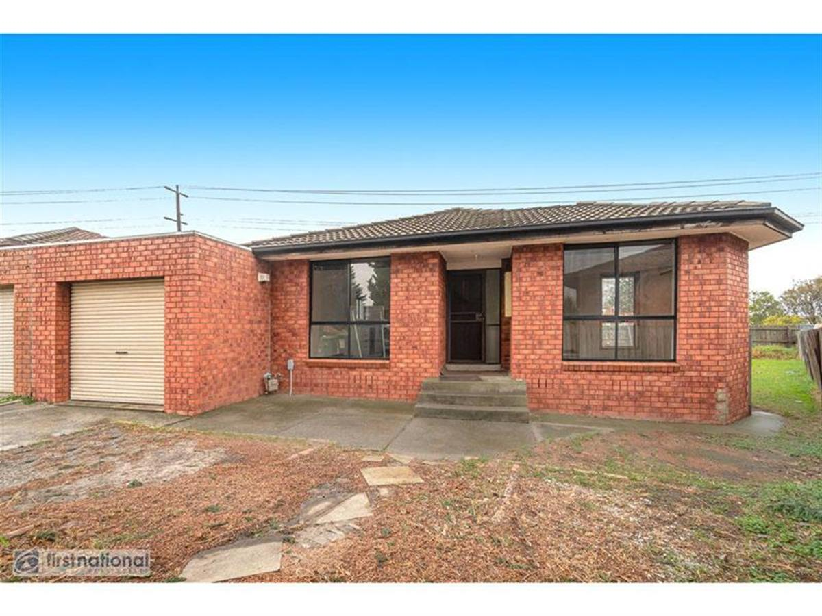 1-18-Woods-Close-Meadow-Heights-3048-VIC