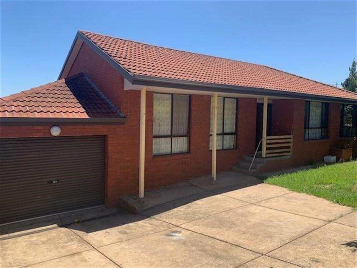 .2-51-Rokewood-Crescent-Meadow-Heights-3048-VIC