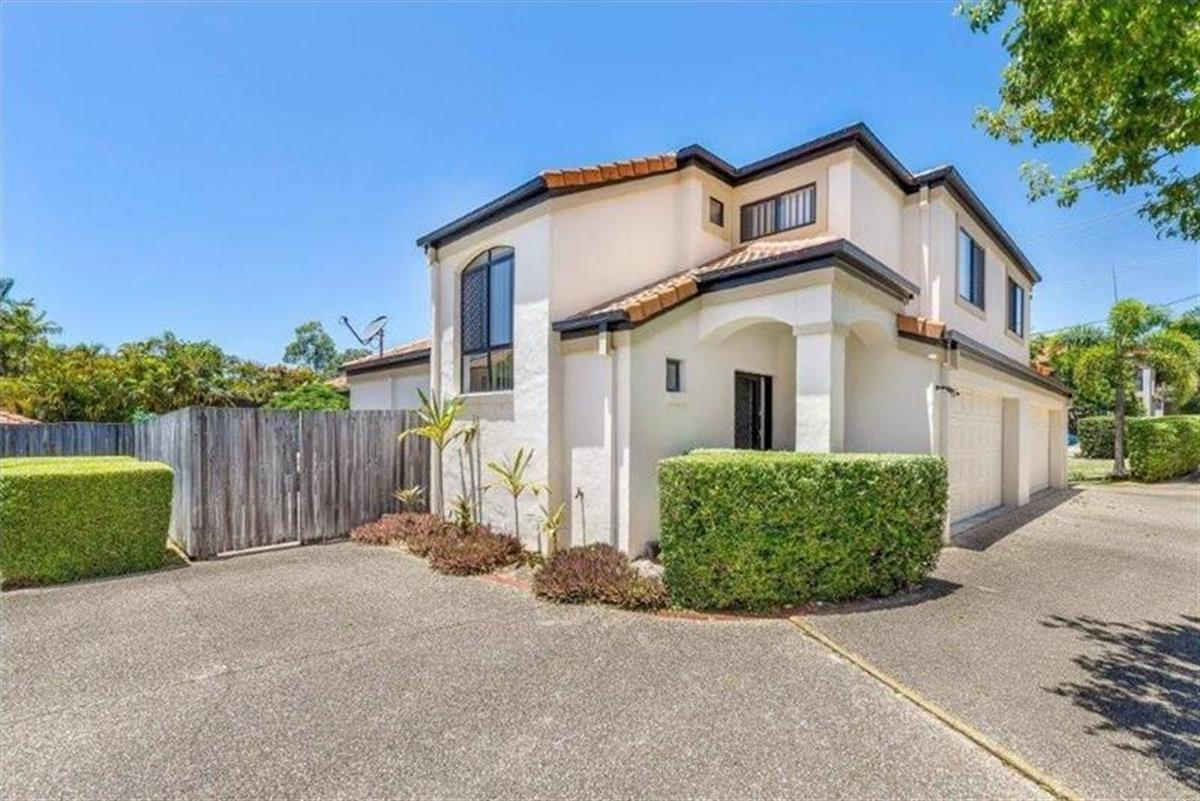 2-123-Pohlman-Street-Southport-4215-QLD